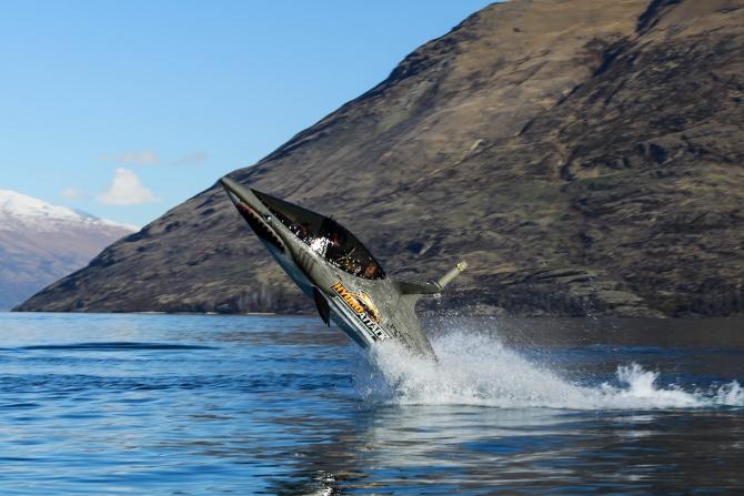 Shark meets machine – Hydro Attack!