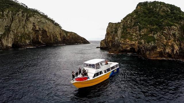 dive boat (640x360)